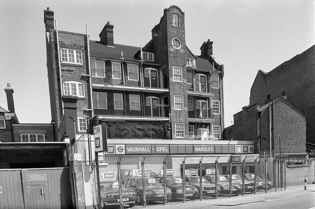 Wandles, Car Sales, Flats, Milkwood Rd, Herne Hill, Lambeth, 1989 89-5e-4489-5e-44