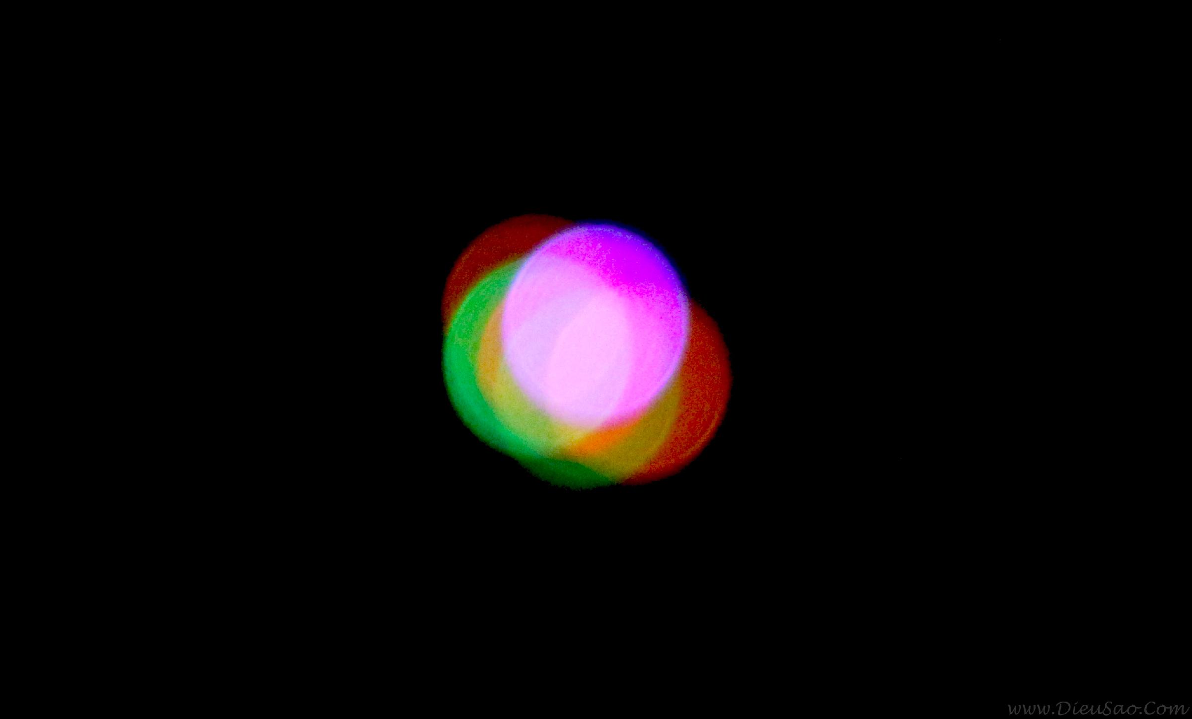 Ánh sáng đèn led trên diều ở độ cao 300m