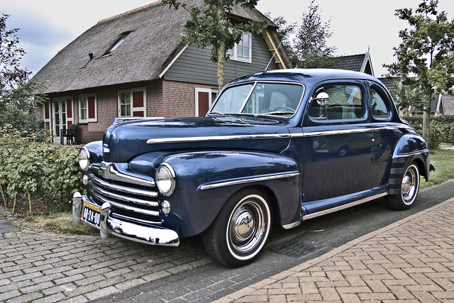 Ford DeLuxe V8 Coupé 1947 (3621)