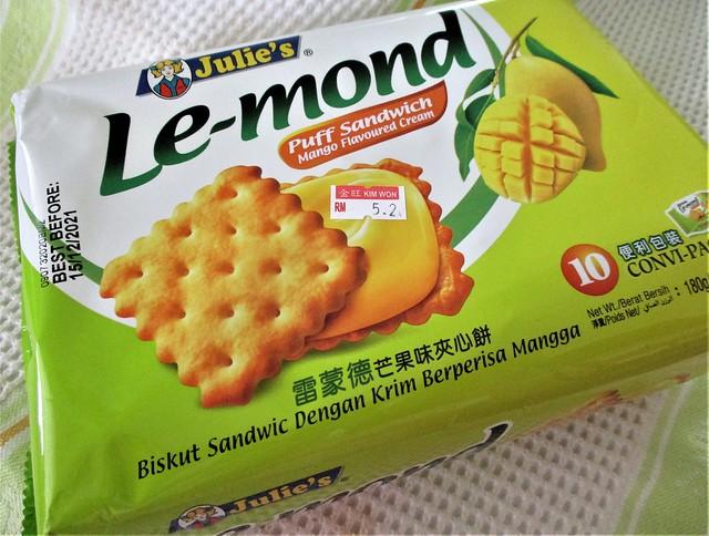 Le Mond puff sandwich, mango flavoured
