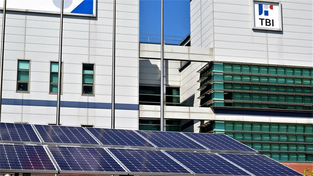 全球傳動與開陽集團合作在屋頂搭建2MW的光電系統。