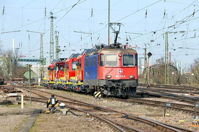 SRT 421 374 Basel Badischer Bahnhof