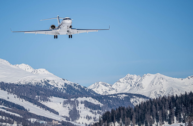SMV/LSZS: NetJets Europe / Bombardier Global 5000-BD-700-1A11 / CS-GLY