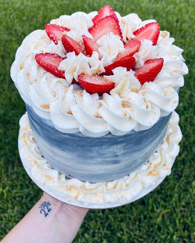 Cake by Sweet N Lo