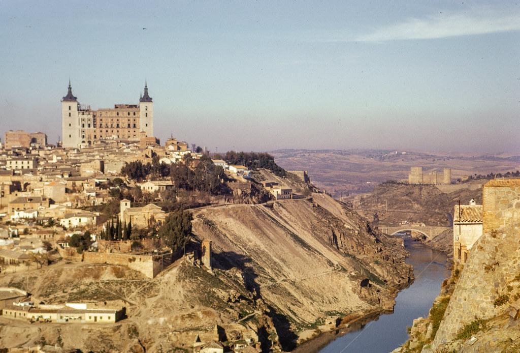 Vista de Toledo  el 12 de diciembre de 1962. Fotografía de Helen Groger-Wurm © The Australian National University, Canberra, signatura ANUA260-392-110