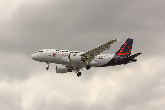 OO-SSB, Brussels Airlines A319 landing at Heathrow, 06 August 2013,