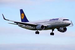D-AIUS A320-214 Lufthansa  CDG 15 -07-17