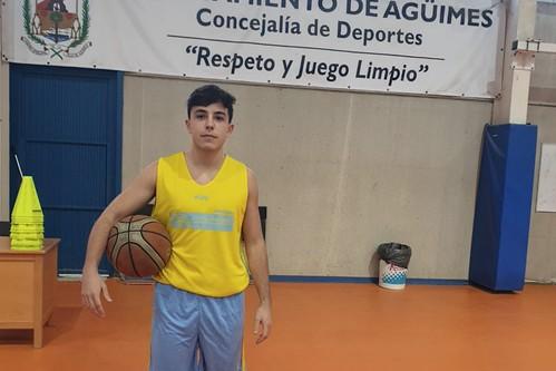 Guillermo García durante una sesión de entrenamiento con el C.B. Agüimes
