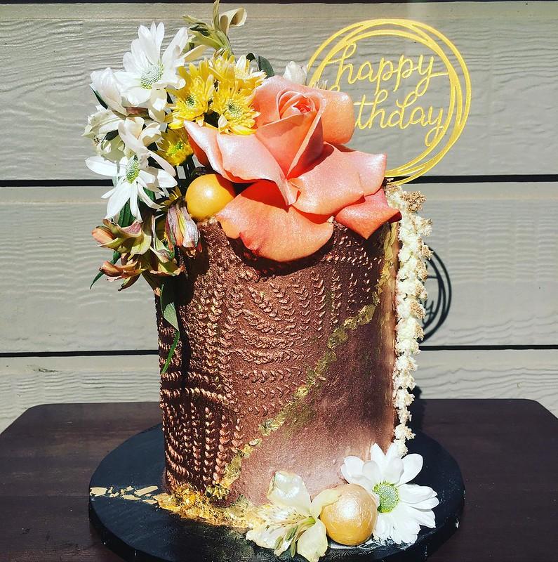 Cake by Glamorous Cakery