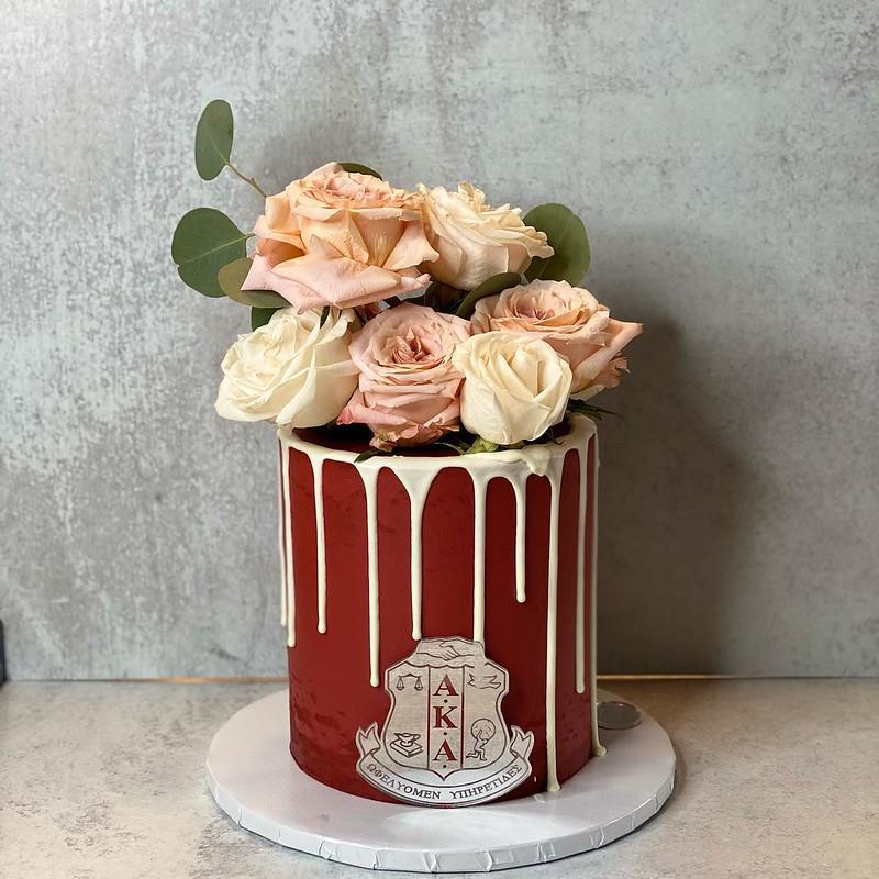 Cake by Carliam's Treats