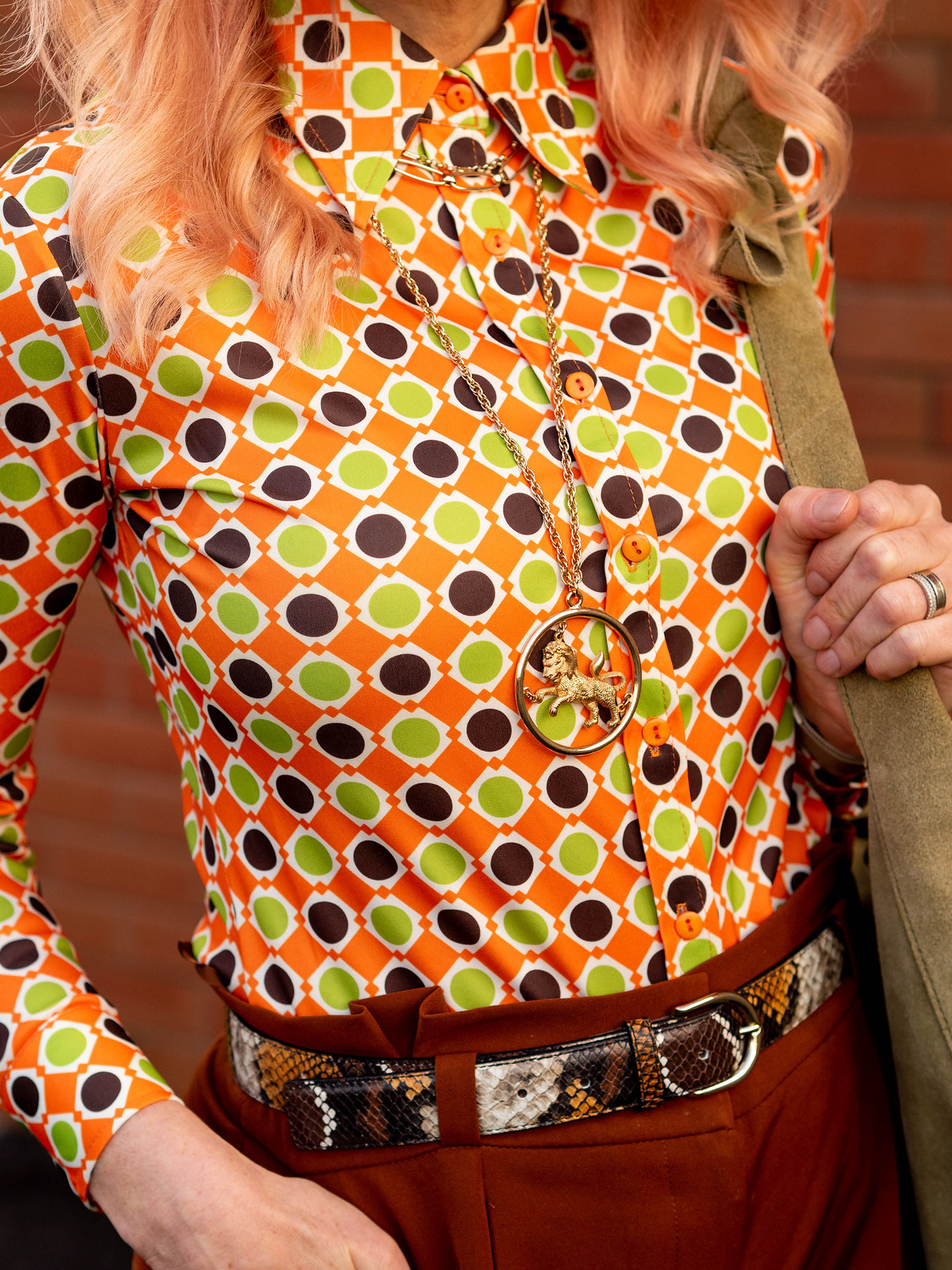 Styling a Vintage 70s Shirt With Vintage Jewellery: Catherine Summers is wearing an orange, green and brown patterned vintage 70s shirt with gold jewellery, brown paperbag trousers, pointed flats & oversized sunglasses | Not Dressed As Lamb, Over 40 Style
