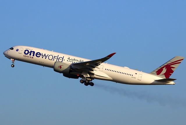 Qatar Airways القطرية Airbus A350-941 A7-ALZ