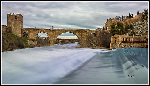 Puente de San Martín (Canon EF-S10-18mm f/4.5-5.6 IS STM)