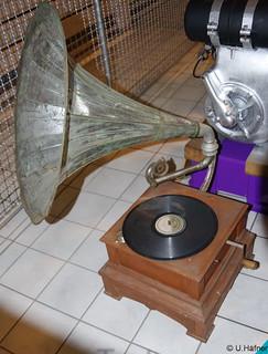 a- Grammophon
