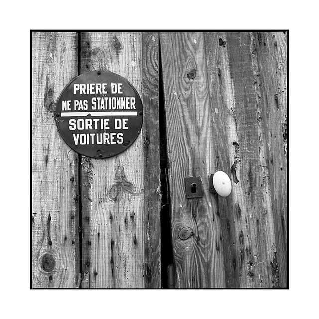 no parking • sens, burgundy • 2019