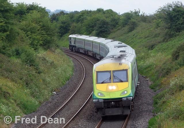 Irish Rail 4004 at Rathmorgan.