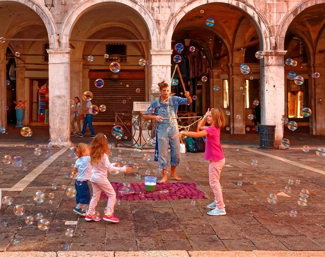 Venezia / Campo San Giacomo di Rialto /  Magic moment