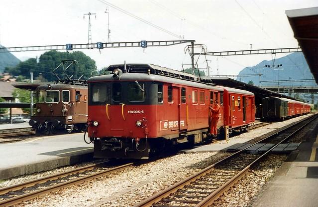 Brünig Railway Line, Class De 110, No. 110.005-6, Interlaken Ost. 08.1994.