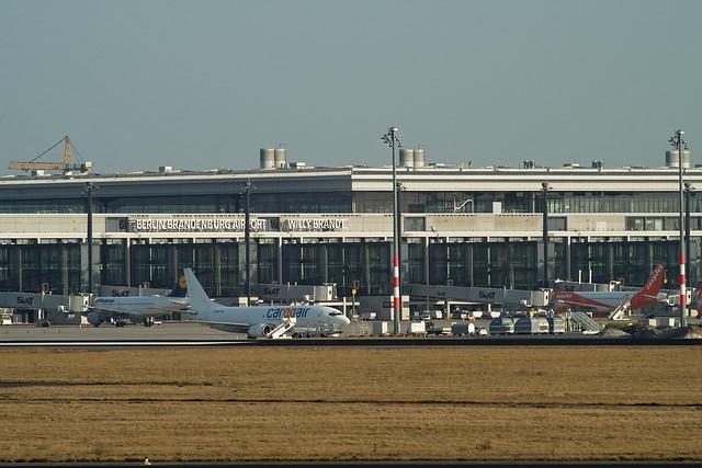 BER Brandenburg Cargoair Boeing 737 25.2.2021