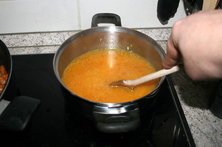 34 - Stir & bring to a boil / Verrühren & zum aufkochen bringen