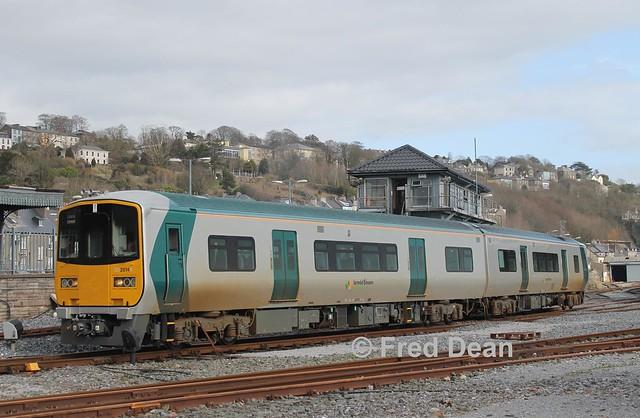 Irish Rail 2814/13 in Kent Station.