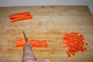 24 - Dice carrot / Möhre würfeln
