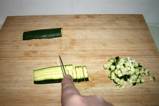 21 - Dice zucchini / Zucchini würfeln