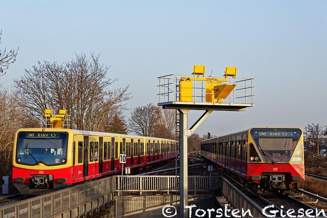 DSC_0415_Berlin-Tempelhof_S-BahnBerlin_481modernisiert_S41+480_S42_25.02.2021_DxO