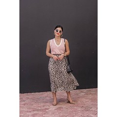 walmart dress code 2021 : Leopard Midi Skirt Outfit | Sugar Love Chic #Trends Follow us for daily inspiration & ideas!