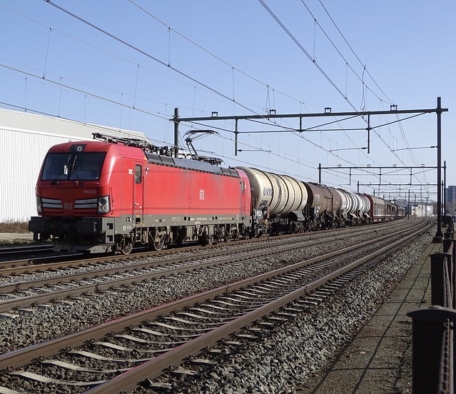 Vectron DB- Cargo 193 325 with Short Mixed Freight Train at Blerick,the Netherlands 24.2.2021