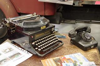 Schreibmaschine Continental Silenta u. Telefon