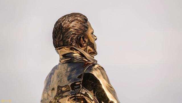 9456 - Statue