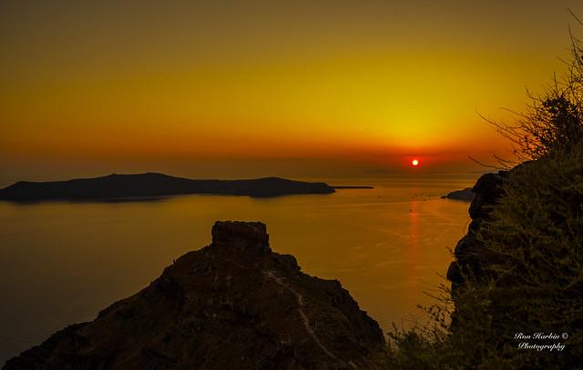 Skaros Rock Sunset