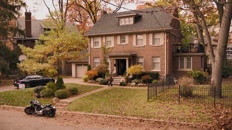 Ginny and Georgia house