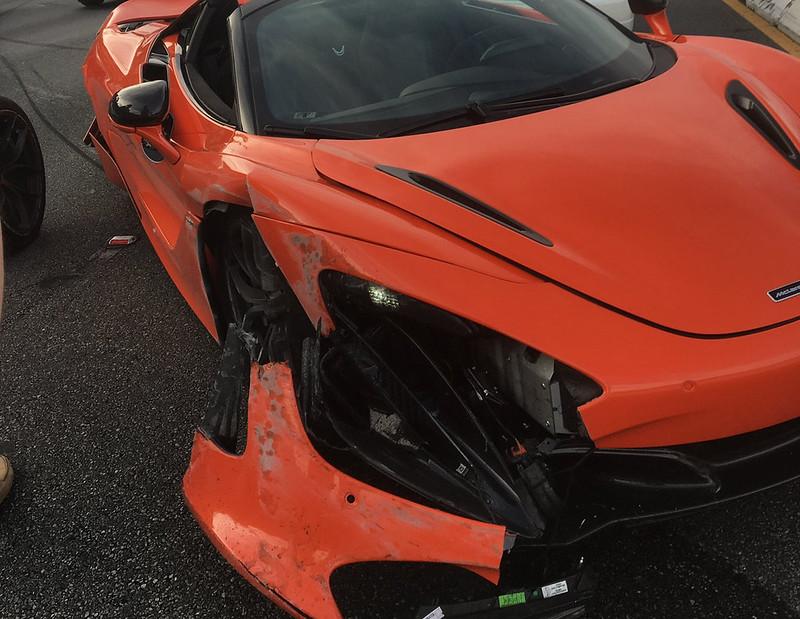 McLaren-720S-Crash-b