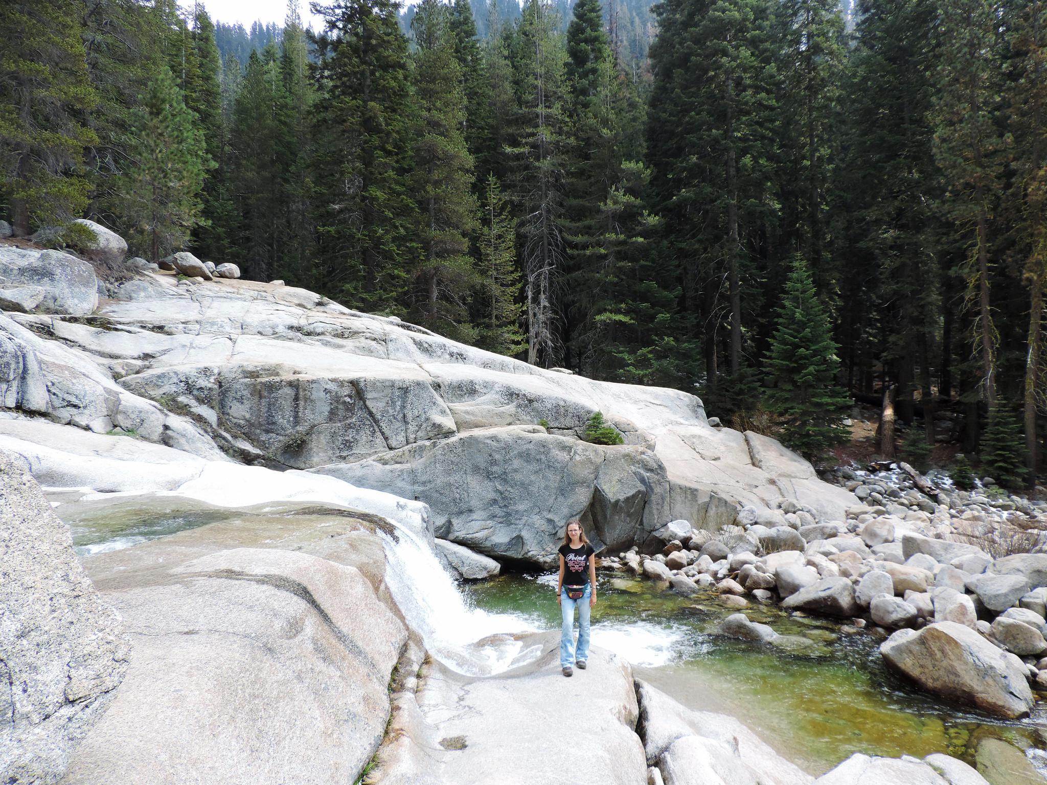 Tokopah Fall Trail, Sequoia National Park, CA, USA