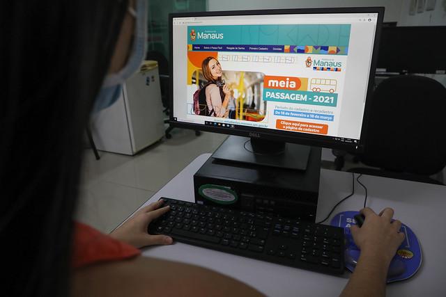 26.02.21 - Mais de 20 mil estudantes já garantiram a meia-passagem estudantil