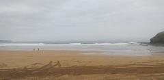Playa la arena en este du00eda del mes de febrero con cielo parcialmente nublado y buena temperatura con poco oleaje