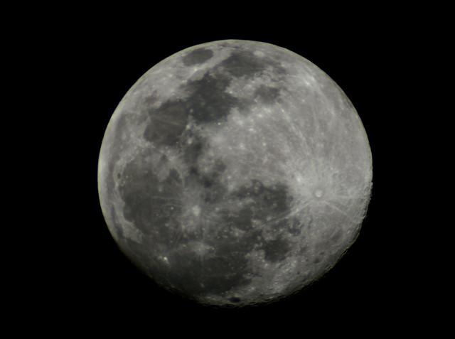 Segunda Luna del año (apiladoLunaDSC_4055)