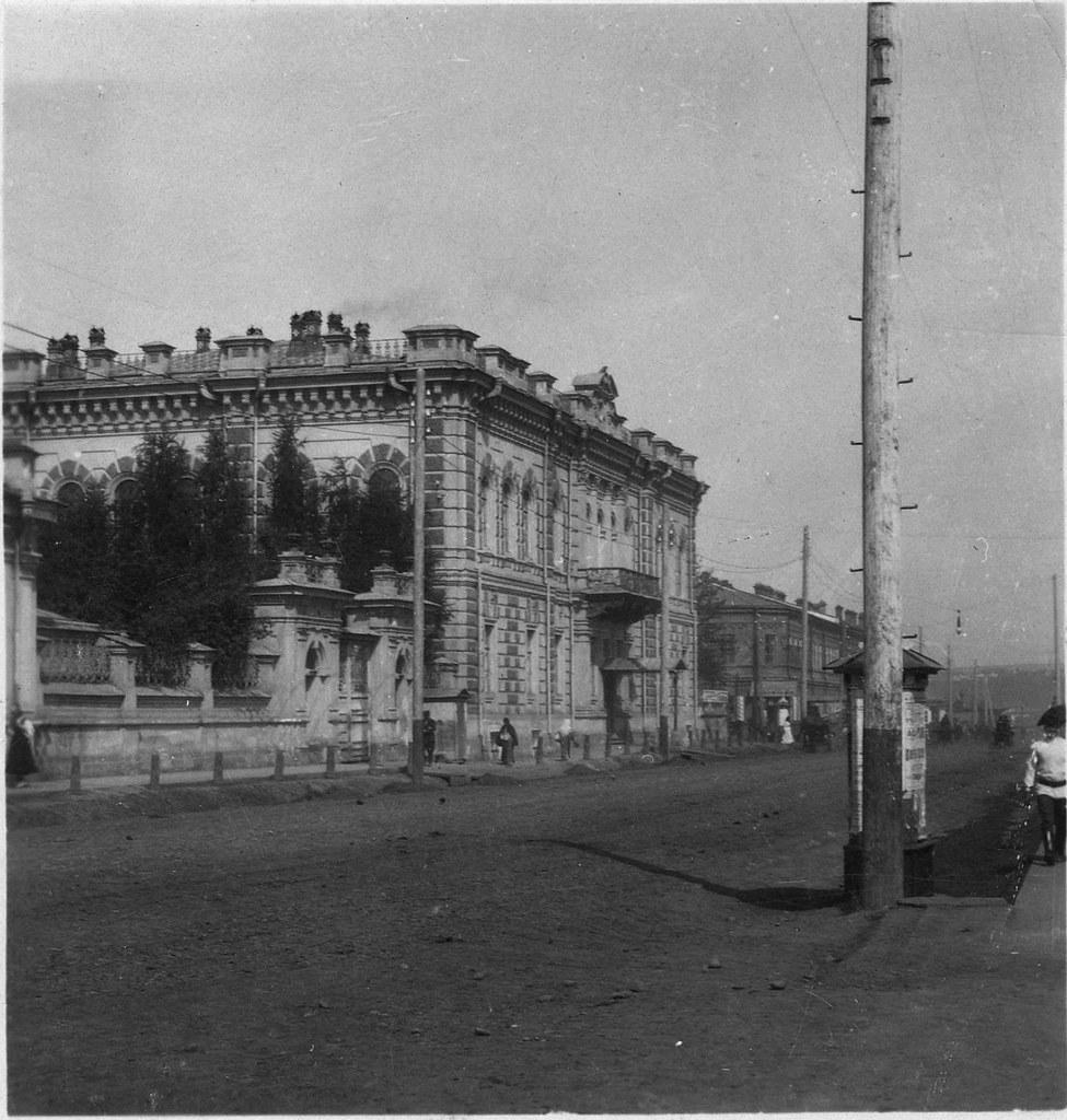 Большая улица. Дом клуба общества приказчиков