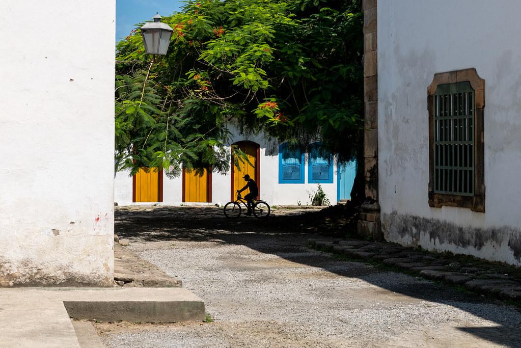 """""""Na sombra"""" Paraty, RJ, Brasil"""