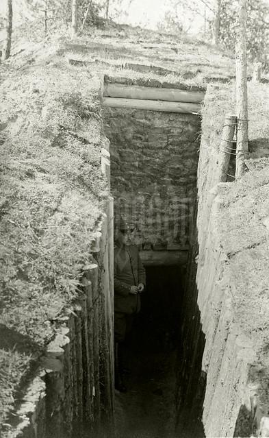 """""""Minenstollen zum Unterschlupf. 7. Kompanie. Juni 1916"""""""