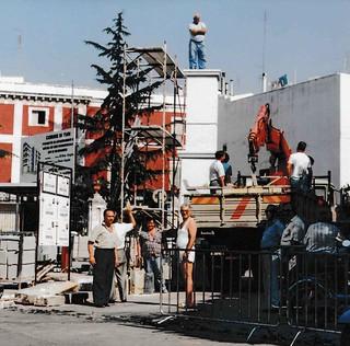 Costruzione statua 1990