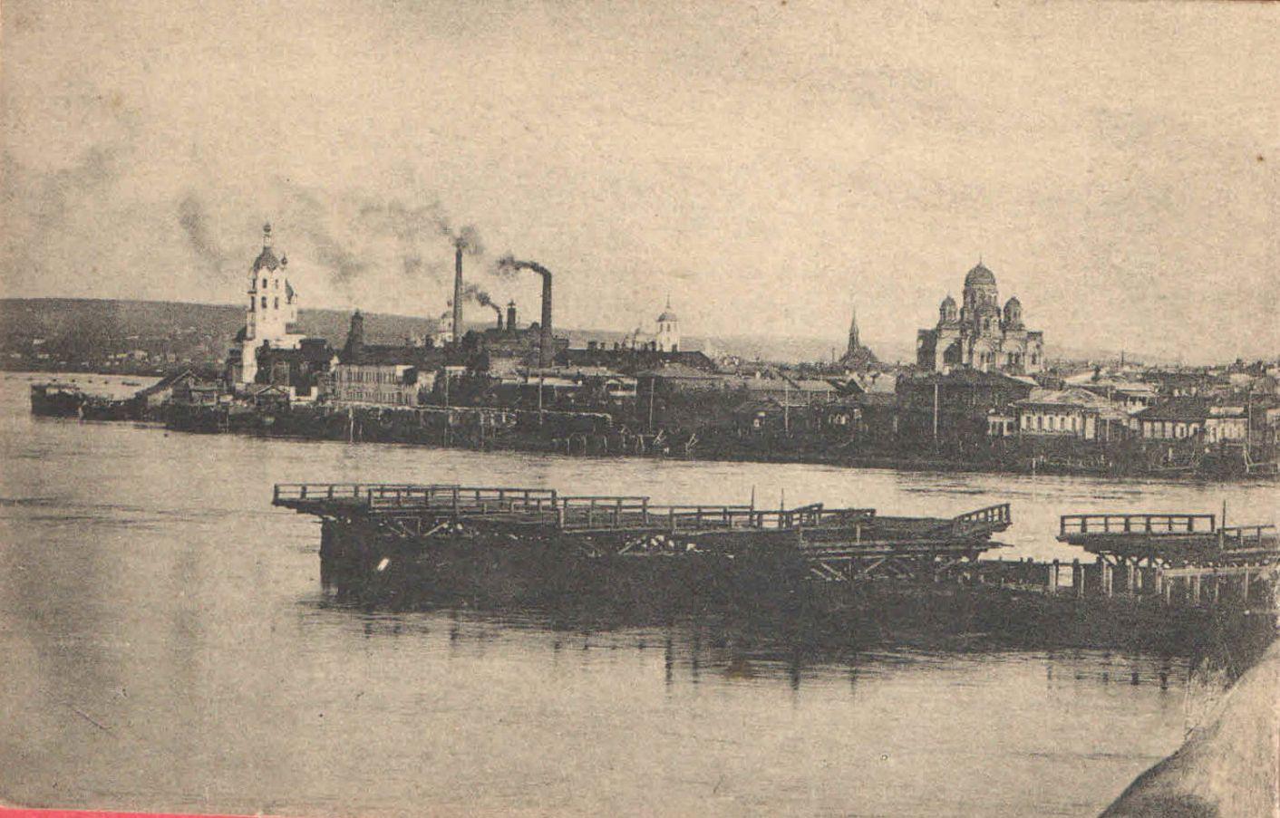 23. Общий Вид на город и понтонный мост