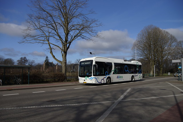 BYD K9UB RRReis 2153 als lijn 204 met kenteken 24-BPZ-8 naar Apeldoorn in Vaassen 27-02-2021