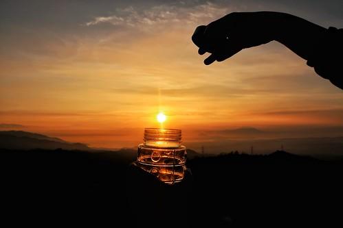 sun sunrise sunshine sundaymorning mountain bottle vitamind oneservingperday sanity taalvolcano lake tagaytay canonpowershotg7xmarkii philippines