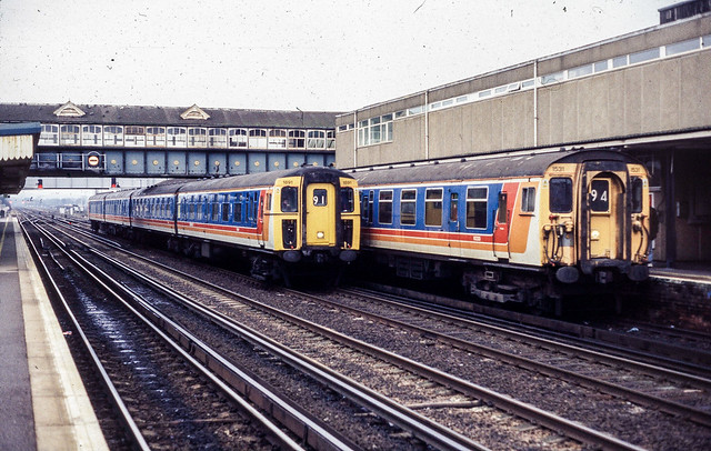 EMUs at Eastleigh March 2001