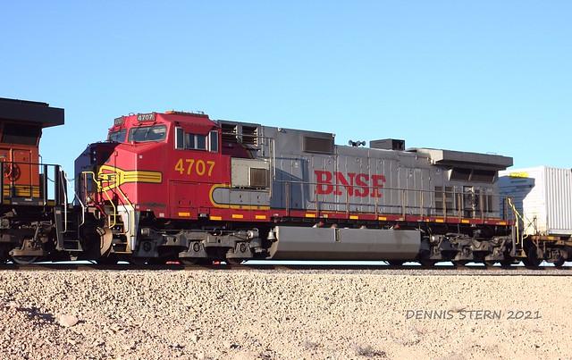 BNSF 4707, WB, HOLBROOK, AZ 2-22-21