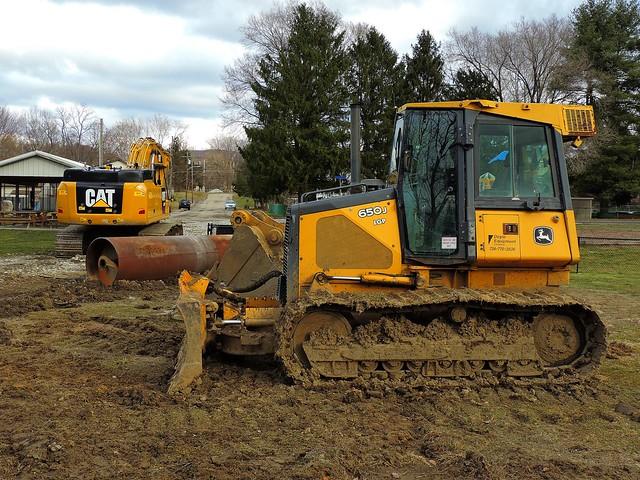 John Deere 650J bulldozer