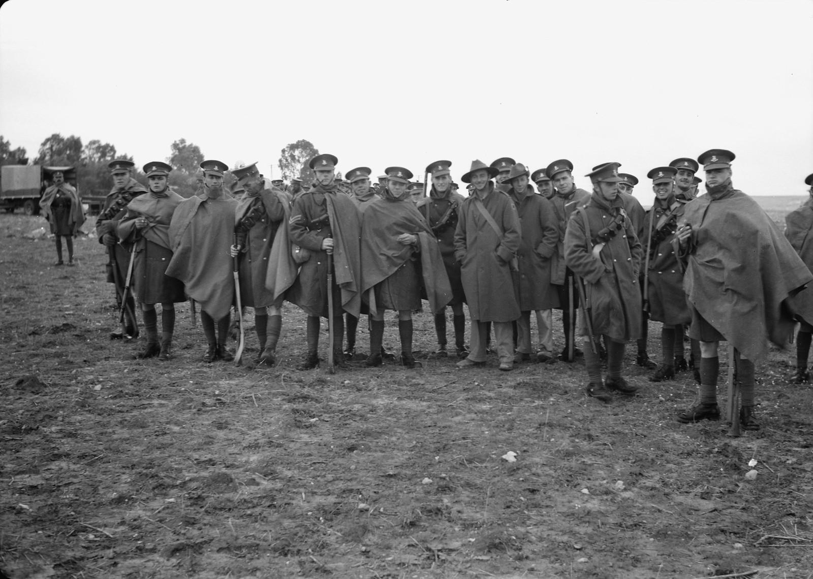 05. Групповое фото новозеландских и австралийских солдат на станции Вади Сарар